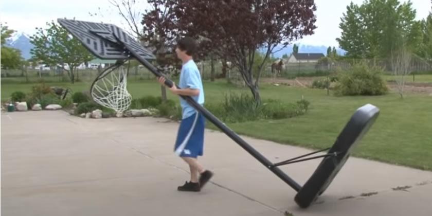 Panier de basket sur roulette